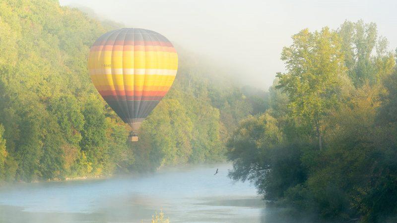 Dordogne Hot Air Ballooning - La Borie Gites Holiday Accommodation Dordogne Lot France