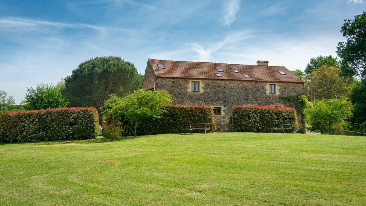 Gites Field - La Borie Gites Holiday Accommodation Dordogne Lot France