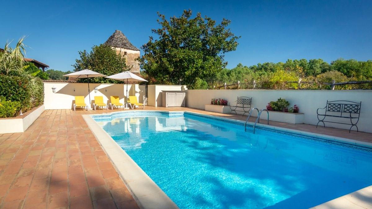 Heated Swimming Pool - La Borie Gites Holiday Accommodation Dordogne Lot France