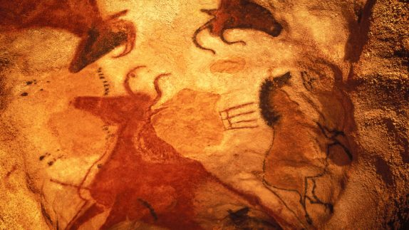 Lascaux Cave Paintings - La Borie Gites Holiday Accommodation Dordogne Lot France